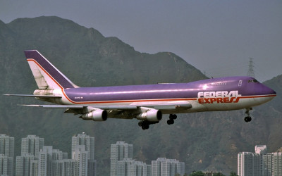 702ce360161e8158a0563fee7ef3d33e--kai-tak-airport-fedex-express.jpg